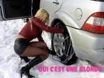 E30.-Humour-Blonde-Voiture-Pneus-Neige-.jpg