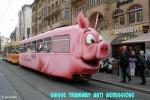 H8.-Humour-Tramway-Anti-Agressions-en-Suisse.jpg