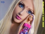 J6.-Humour-Incroyable-Valeria-Lukyanova-La-Barbie-Humaine-.jpg
