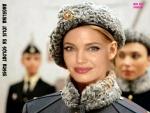N12.-Portrait-Angelina-Jolie-Tres-Jolie-en-Soldat-Russe.jpg