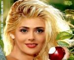 P8.-Portrait-Salma-Hayek-Blpnde-Aux-Yeux-Verts.jpg
