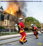 AK2.-Politique-Hommage-Aux-Pompiers-De-Paris.jpg